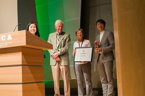 Carole Ratcliffe presents MICA award